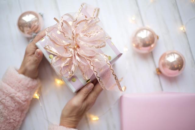 Ручная упаковка подарков