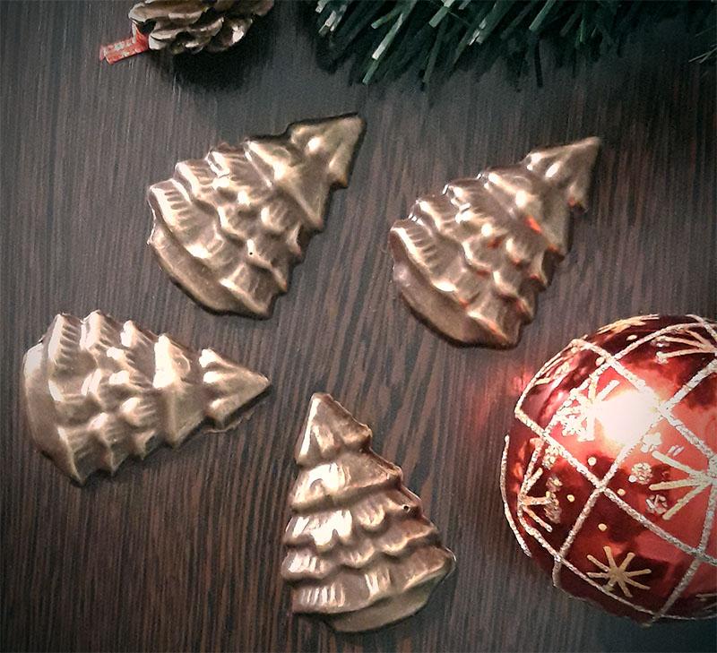 Фигурки шоколадных ёлочек