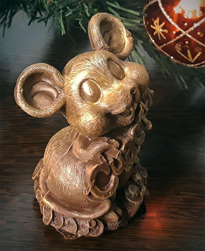 Фигурка мышки из шоколада