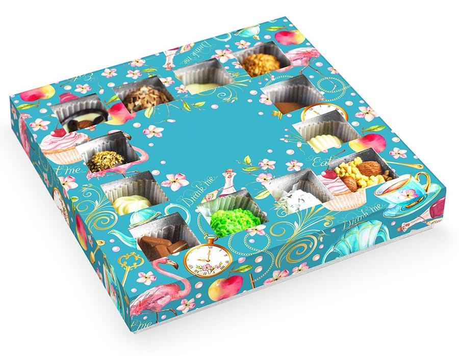Подарочная коробка с конфетами ручной работы