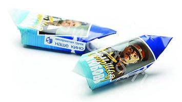 Корпоративные подарки на 8 марта - конфеты с логотипом