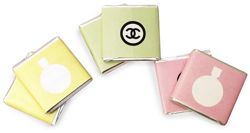 Шоколадные плитки 5 г с логотипом Chanel