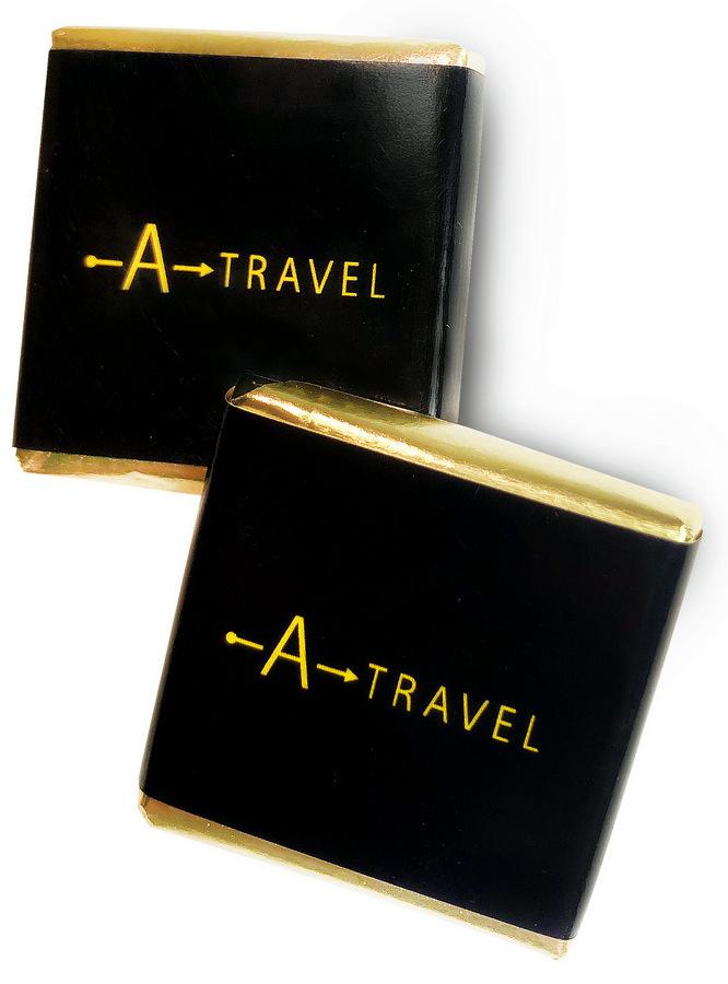 Плитки шоколада 5 г с логотипом туристической компании A-Travel