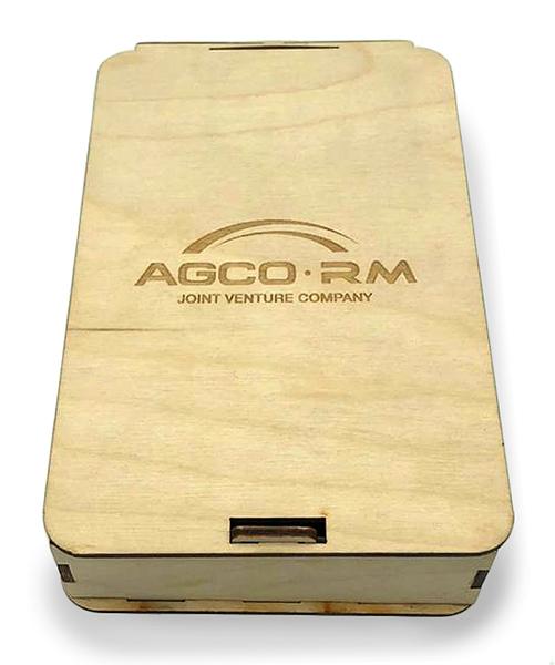 Подарочный набор в коробке из фанеры с логотипом