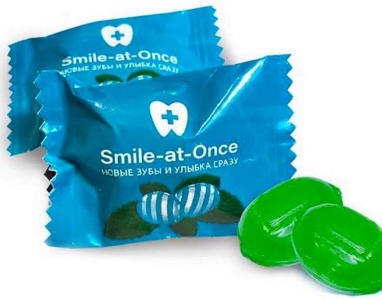 Карамель с логотипом Smile-at-Once в бумажной упаковке flow-pack
