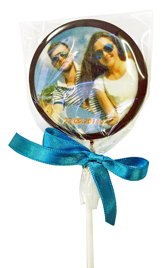 Шоколадные леденцы на палочке