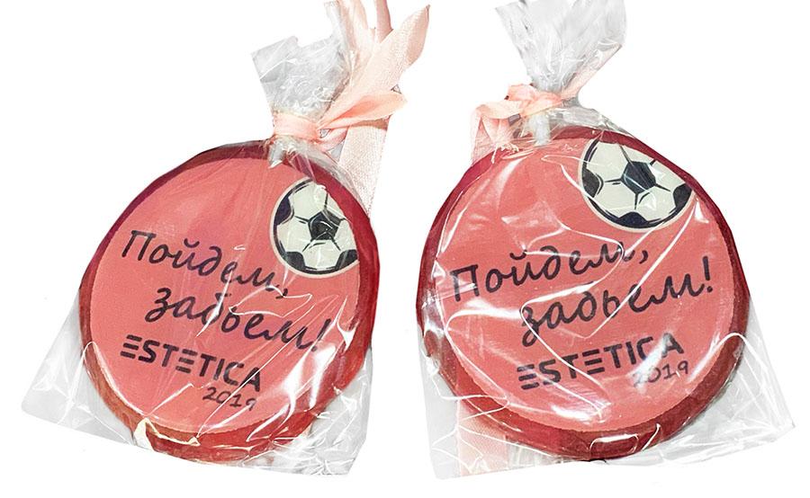 Круглые леденцы-медали с полноцветной печатью логотипа мебельной компании Эстетика
