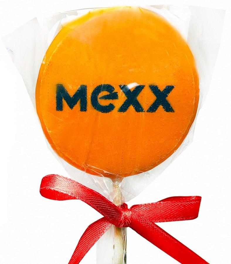 Леденец на палочке с логотипом Mexx и лентой