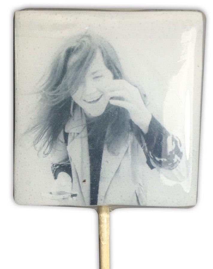Леденец на палочке с портретом