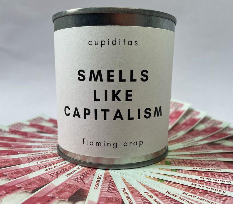 Свеча с запахом денег. Источник фото flamingcrap.com