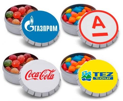 Разнообразные вкусности в баночках с крышками клик-клак с логотипом