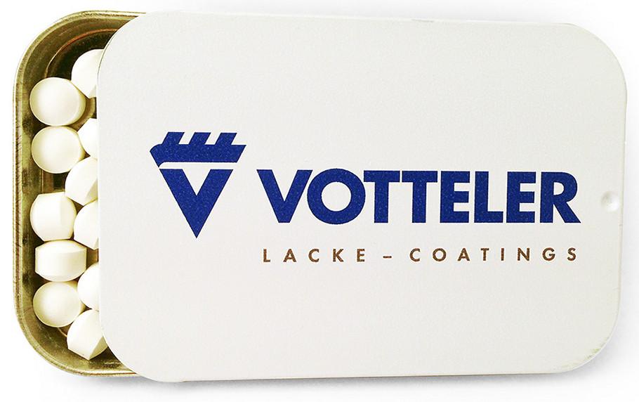 Освежающее драже в металлической баночке с крышкой-слайдером и логотипом Votteler