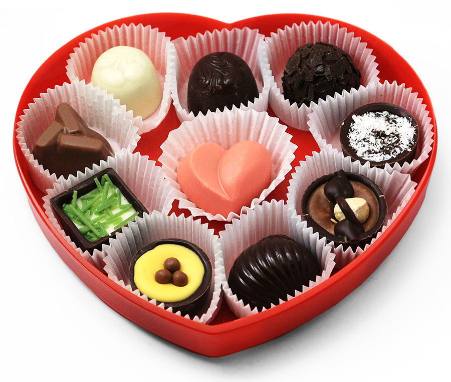 Конфеты в коробочке в форме сердца к 14 Февраля