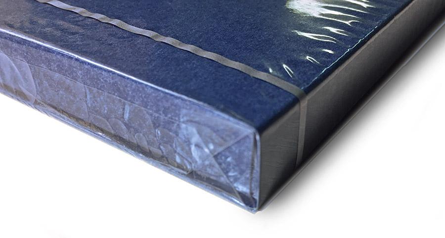 Целлофанированная коробочка с конфетами