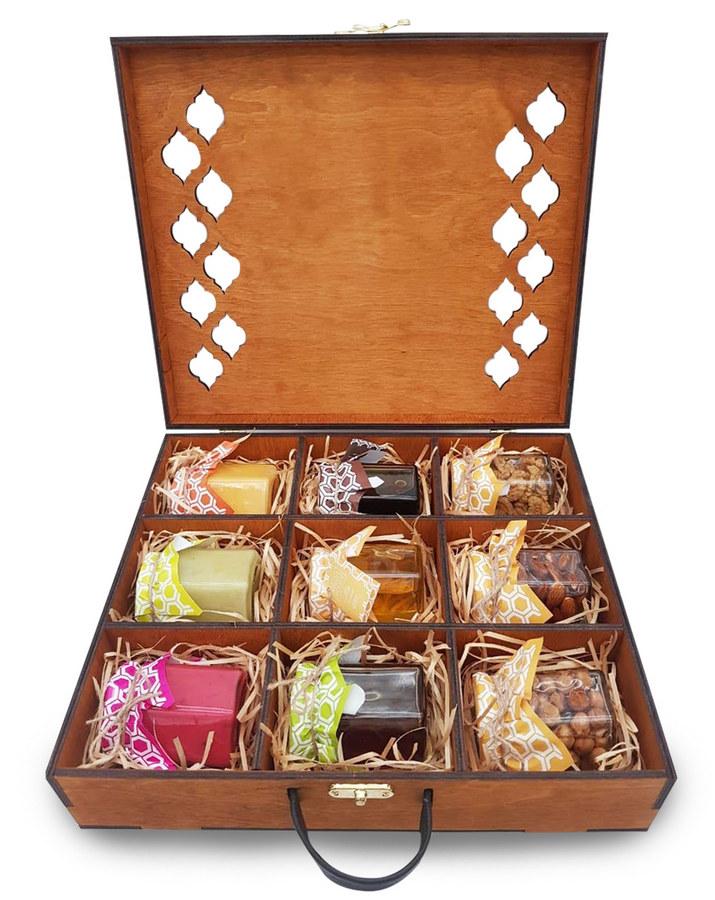 Подарочный набор мёда в деревянном ящичке