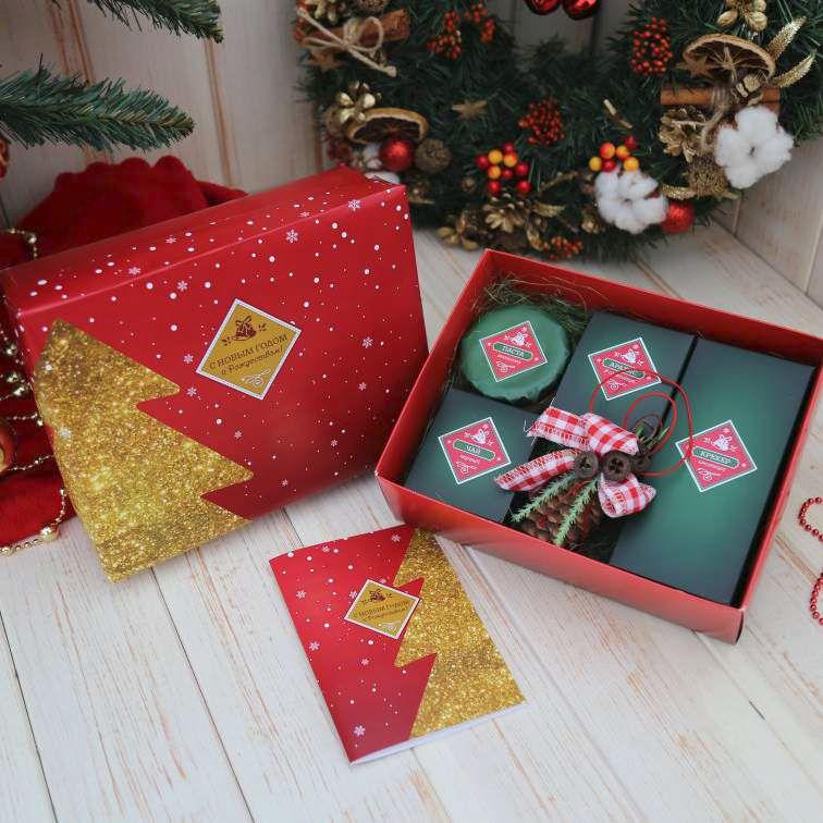 Подарочные наборы полезных лакомств на Новый год