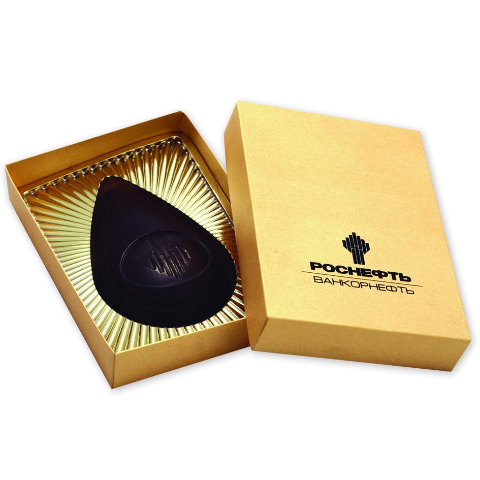 Фигурный шоколад в форме капли нефти