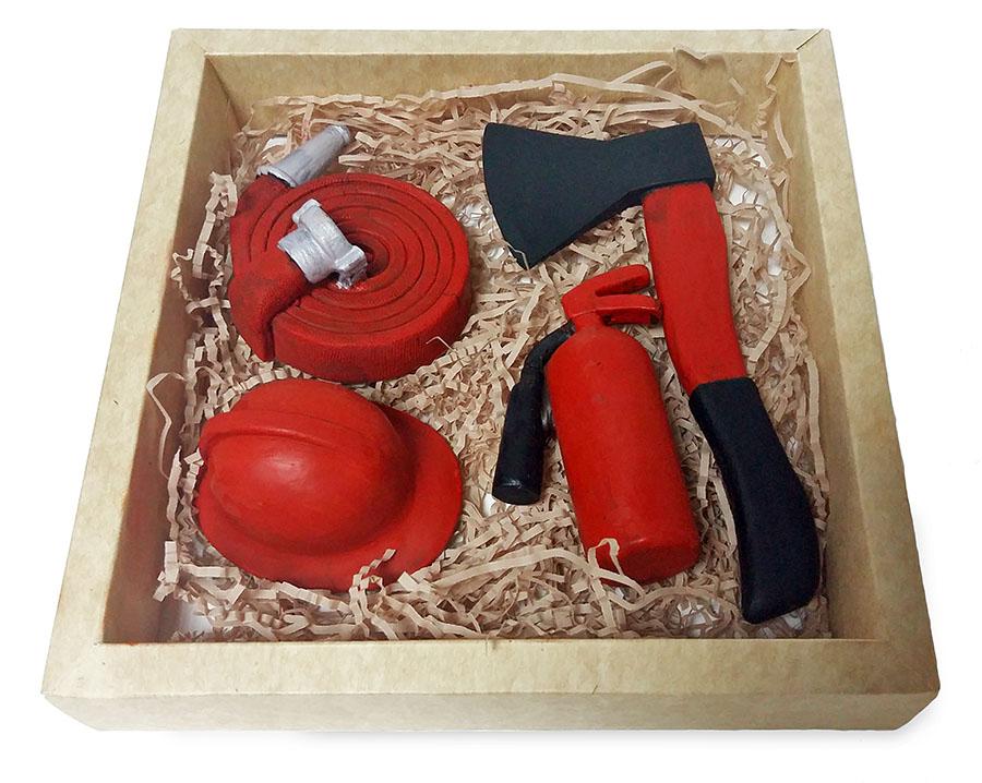 Набор шоколадных фигур для пожарного