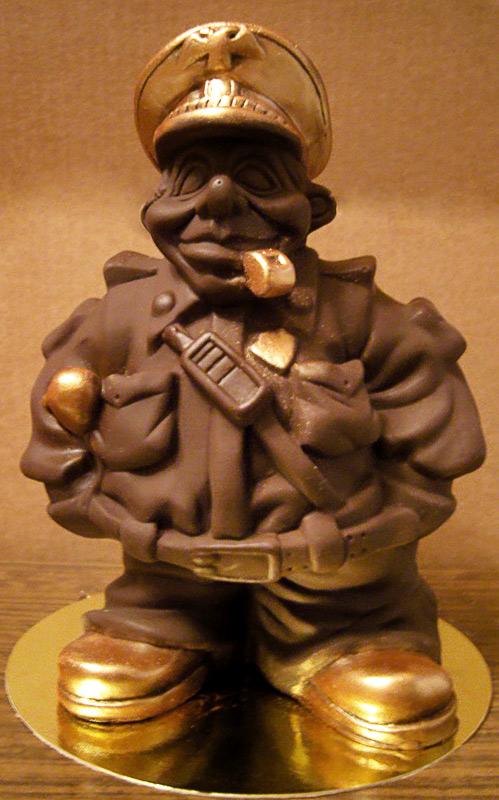 Шоколадные фигурки – подарки для мужчин