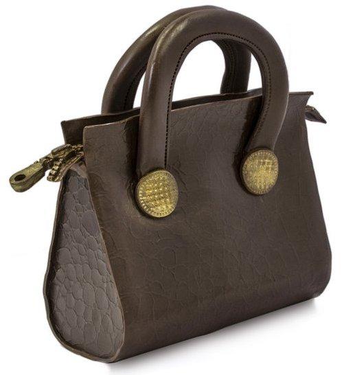 Фигурка сумки из шоколада
