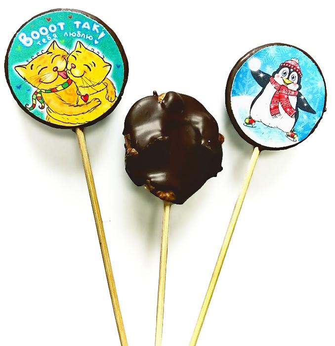 Круглые конфеты на палочке с печатью или орешками