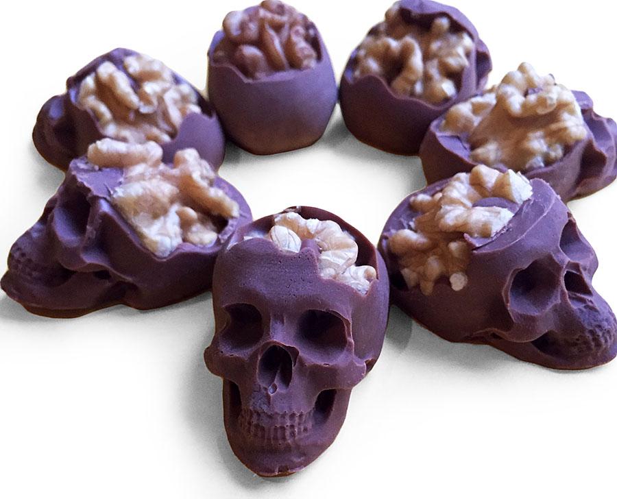 Шоколадные конфеты в форме черепа