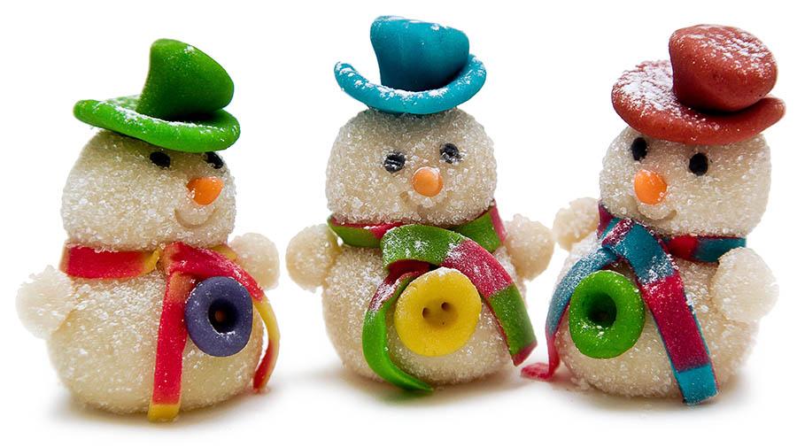 Снеговик из марципана — новогодний подарок