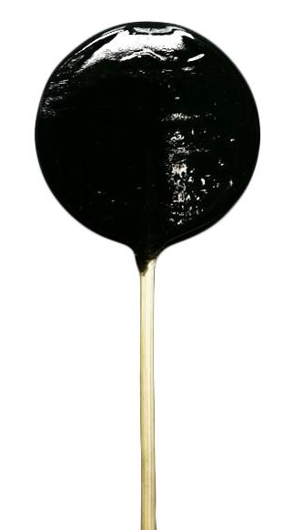 Леденцы на палочке черные-пречерные