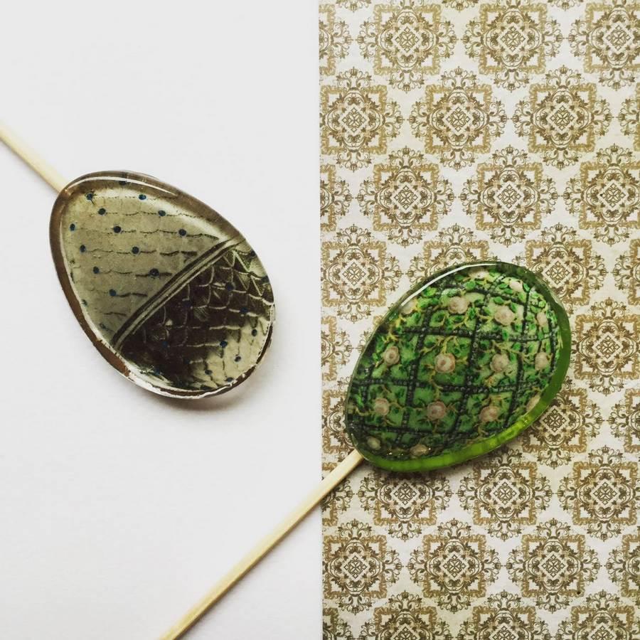 Леденцы на палочке в форме яйца