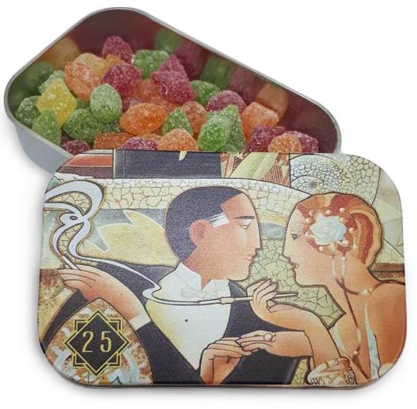 Монпансье или фруктовые драже в жестяных коробочках