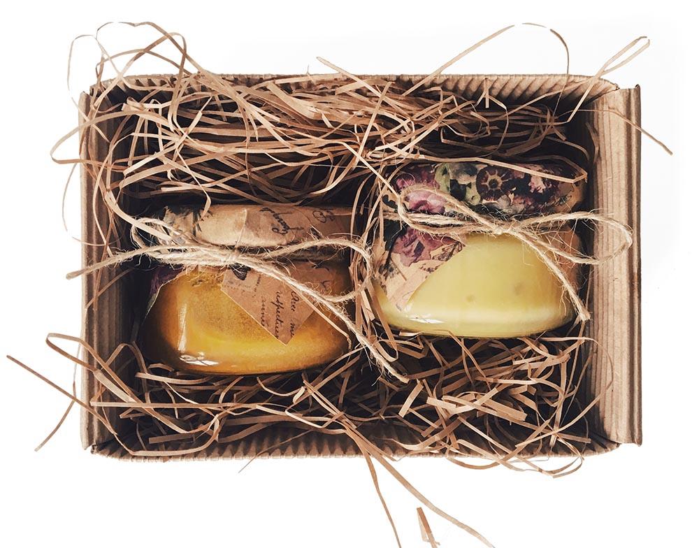 Подарочные наборы из меда и свечей