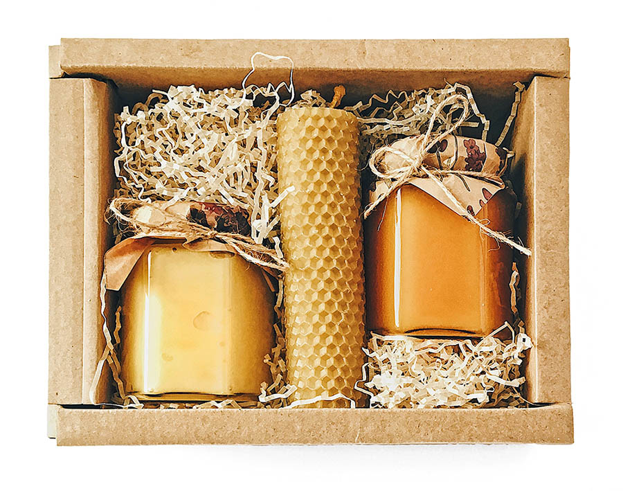 Подарочные наборы мёда и восковых свечей