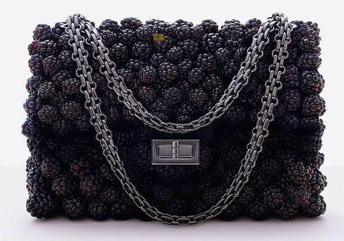 Итальянский дизайнер Фульвио Бонавма создал коллекцию съедобной одежды
