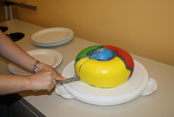 Рекламный торт Google