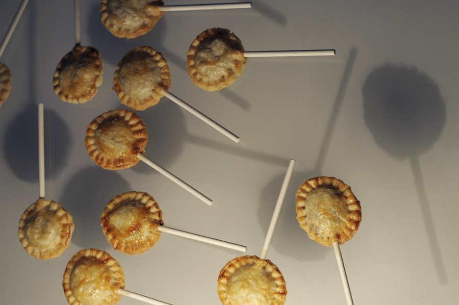 Пирожки на палочке