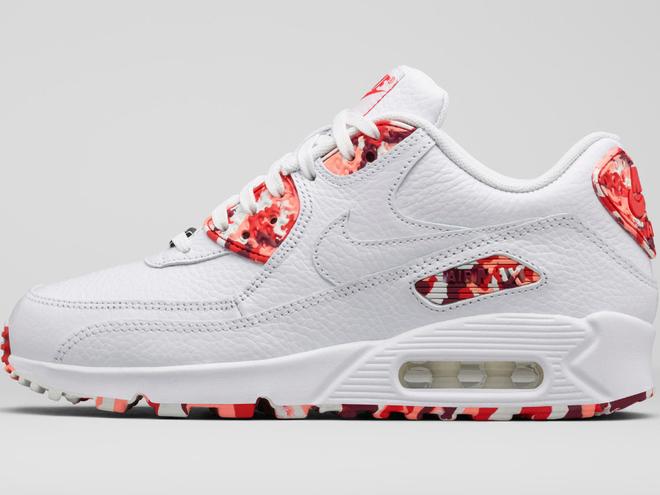 Nike представил коллекцию «кроссовок-десертов»