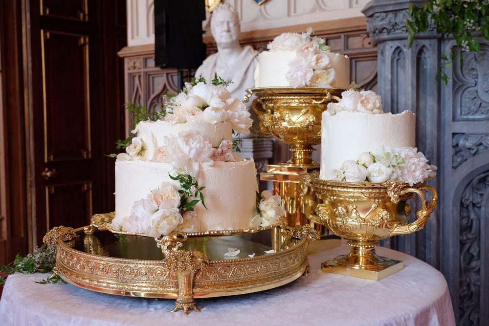 Торт для свадьбы принца Гарри и Меган Маркл. Источник фото twitter.com/KensingtonRoyal