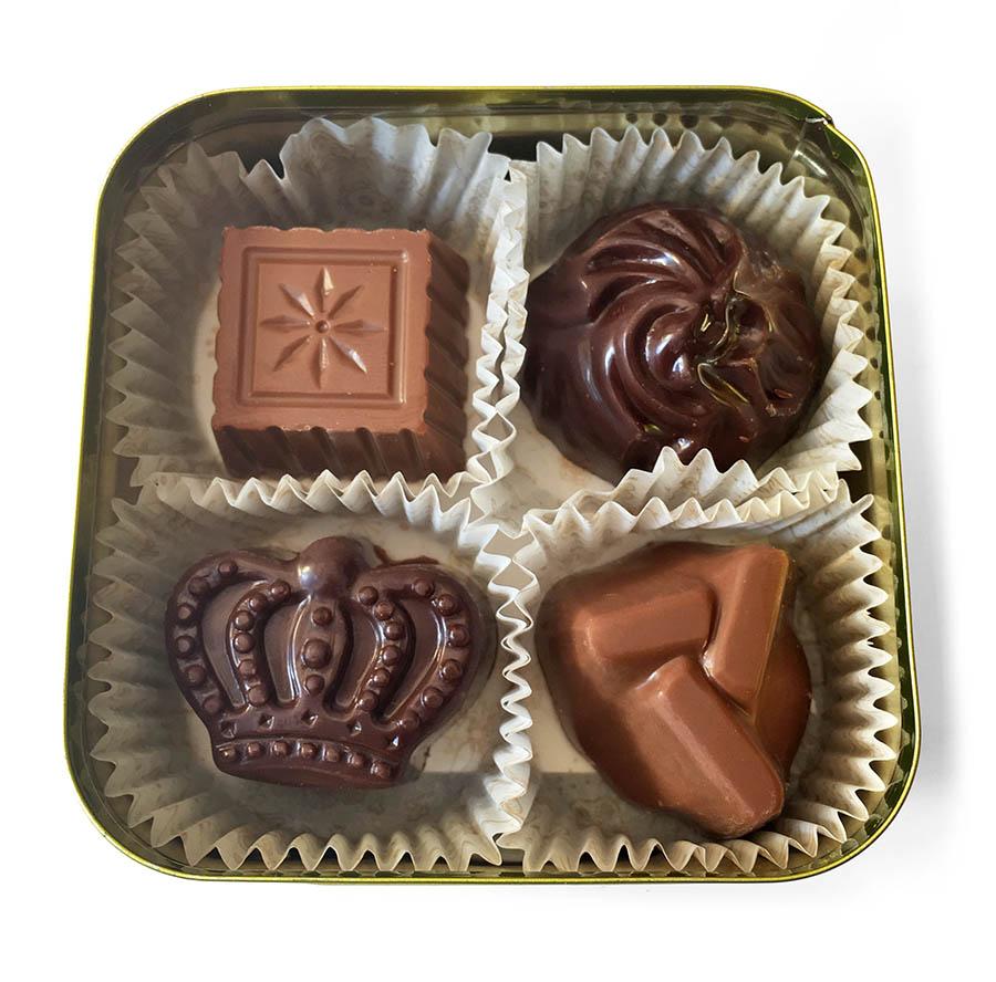 Шоколадные конфеты ручной работы в металлической баночке